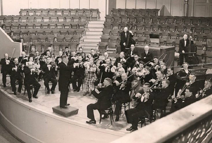 Aberdeen Strathspey and Reel Society at the Music Hall, 1950
